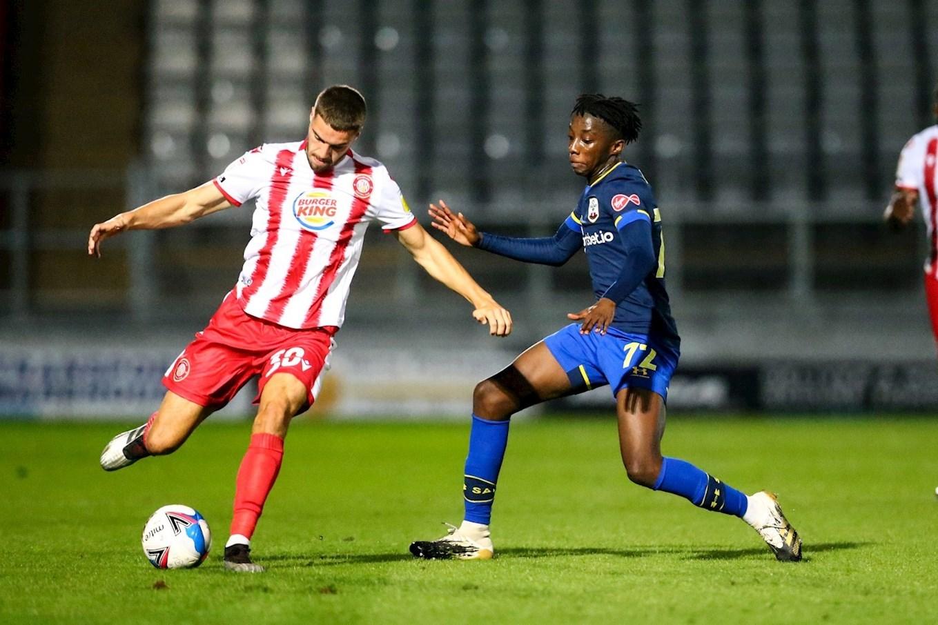 Fernandez joins Oxford City on loan - News - Stevenage Football Club